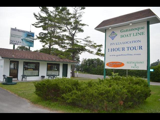 Gananoque Boat line 1000 Islands Cruises Ivy Lea Port in Ontario Canada