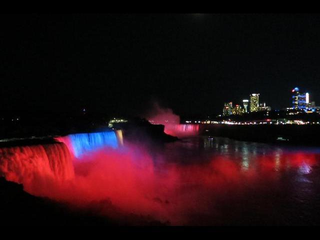 Blood Niagara, Illumination
