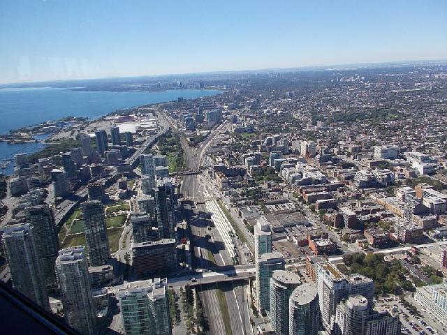 A view of Toronto from the CN tower