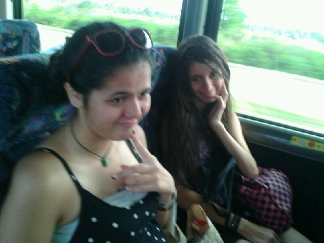 Fay and Shams in the bus to Miami in  the 1 Day Miami Tour