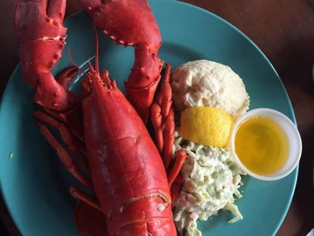 lobster dinner in nova scotia