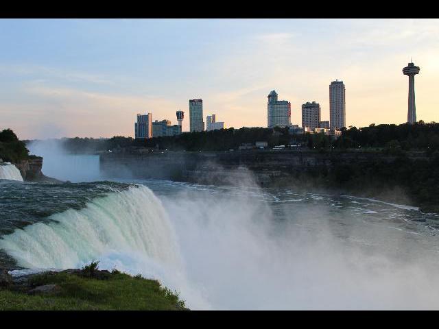 Niagara falls night view