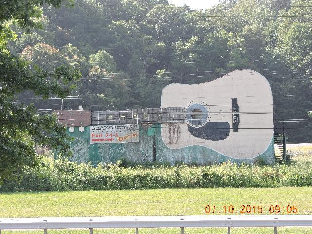 GRAND GUITAR, BRISTOL TN