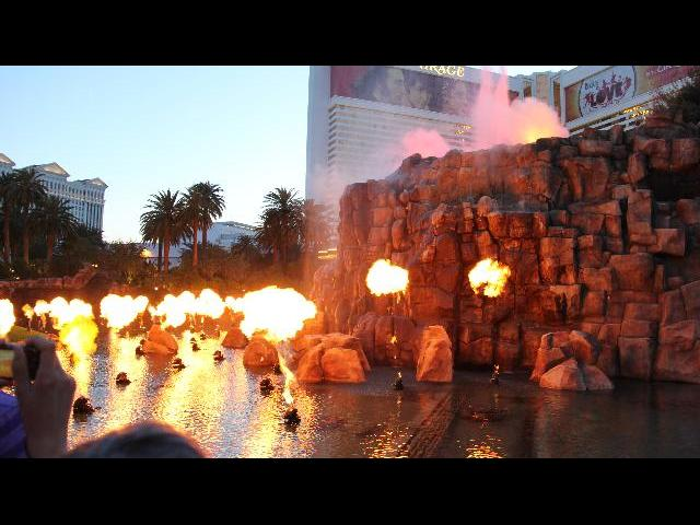 Volcano Show at Vegas Strip