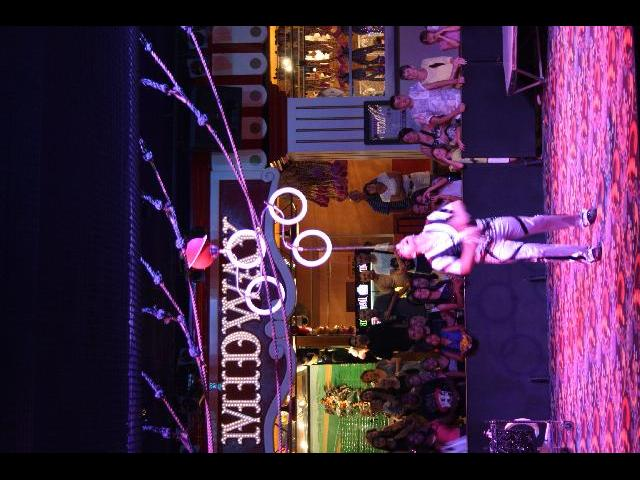 Juggling show at Circus Circus hotel