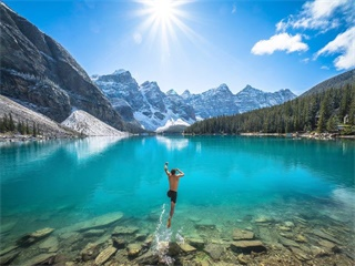 5-Day Maligne Canyon, Columbia Icefiled, Jasper and Banff National Parks Tour from Vancouver