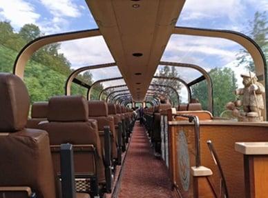 陶基納小鎮一日游含安克雷奇-陶基納段玻璃穹頂觀光列車 (安克雷奇出發)