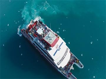 軍港小鎮惠蒂爾一日游含冰川海洋生物游船(安克雷奇出發)