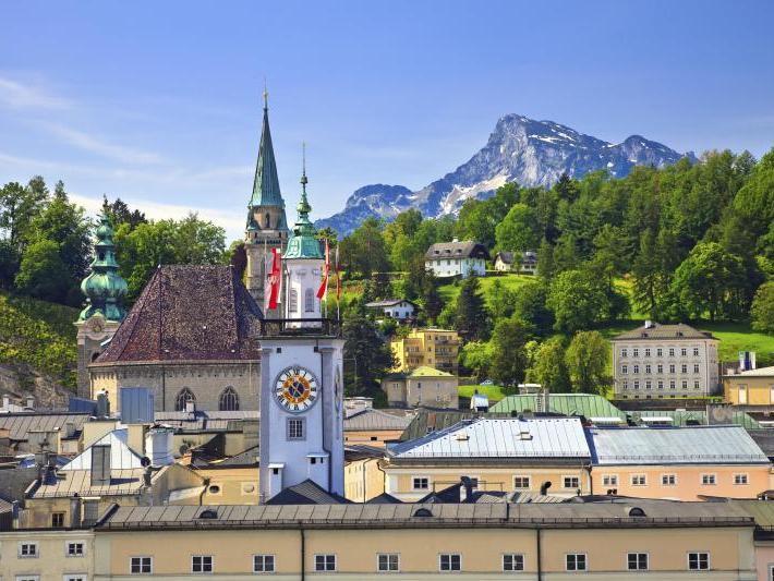 1-Day  Salzburg and Lake District Tour from Munich