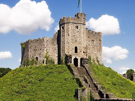 1 Day Cardiff Tour At Your Own Pace from London