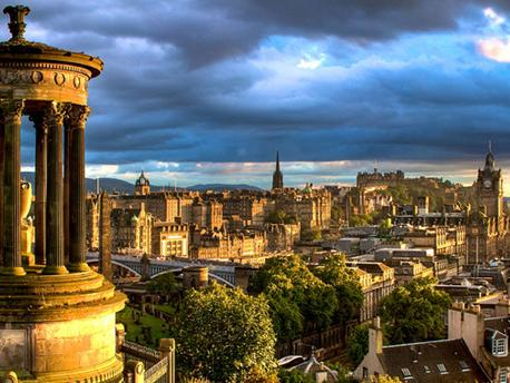 Edinburgh Day Trip at Your Own Pace from London