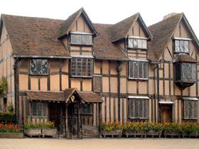 1-Day Warwick Castle, Stratford and Oxford Tour from London...