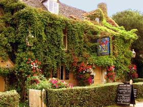 1-Day  Cotswolds, Oxford, Warwick Castle and Stratford Select Tour from London