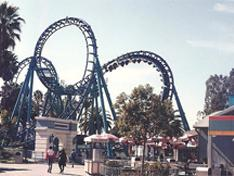 Roundtrip Shuttle Bus to Knott's Berry Farm from Los Angeles