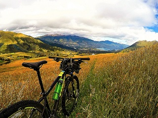 7-Day Cross Country Cycling And Haciendas Tour from Quito