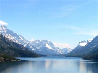 1-Day Waterton Lake National Park Tour from Calgary...