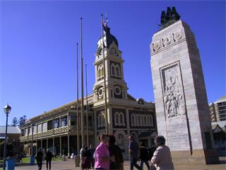 1-Day Adelaide City Tour including Victoria Square, Parliament House