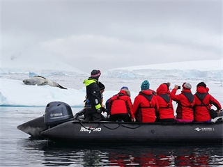 14-Day Antarctica Air-Cruise Tour from Santiago