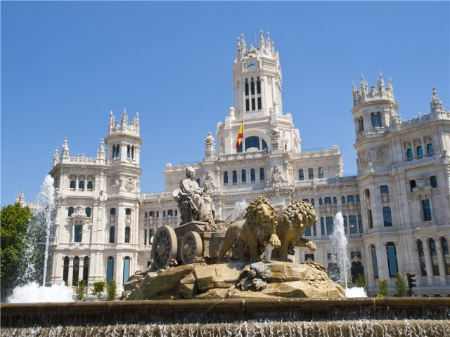 2-7 Days Madrid, Barcelona, Alicante, Seville, Lisbon Europe Explorer Flexible Tour from Barcelona in English