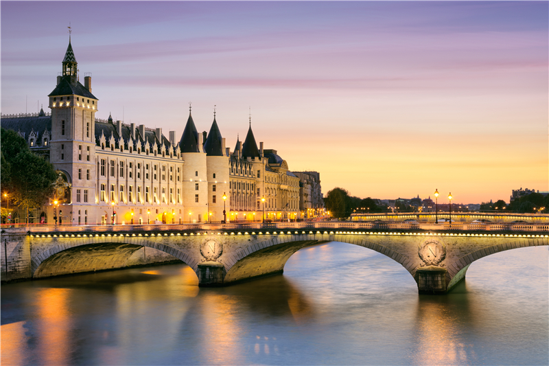 2-14 Day Paris,  Frankfurt, Prague, Cologne, Amsterdam  Europe Explorer Flexible Tour from Paris in English