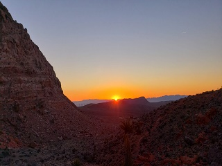 1-Day Red Rock Canyon Sunset Hiking Tour from Las Vegas