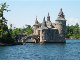 4-Day Montreal, Quebec, Toronto, Thousand Island, Niagara Falls Tour from Montreal