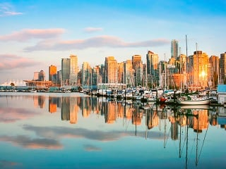 8-Day Rocky Mountains, Banff, Jasper, Vancouver, Victoria, Whistler, Chemainus Tour from Calgary