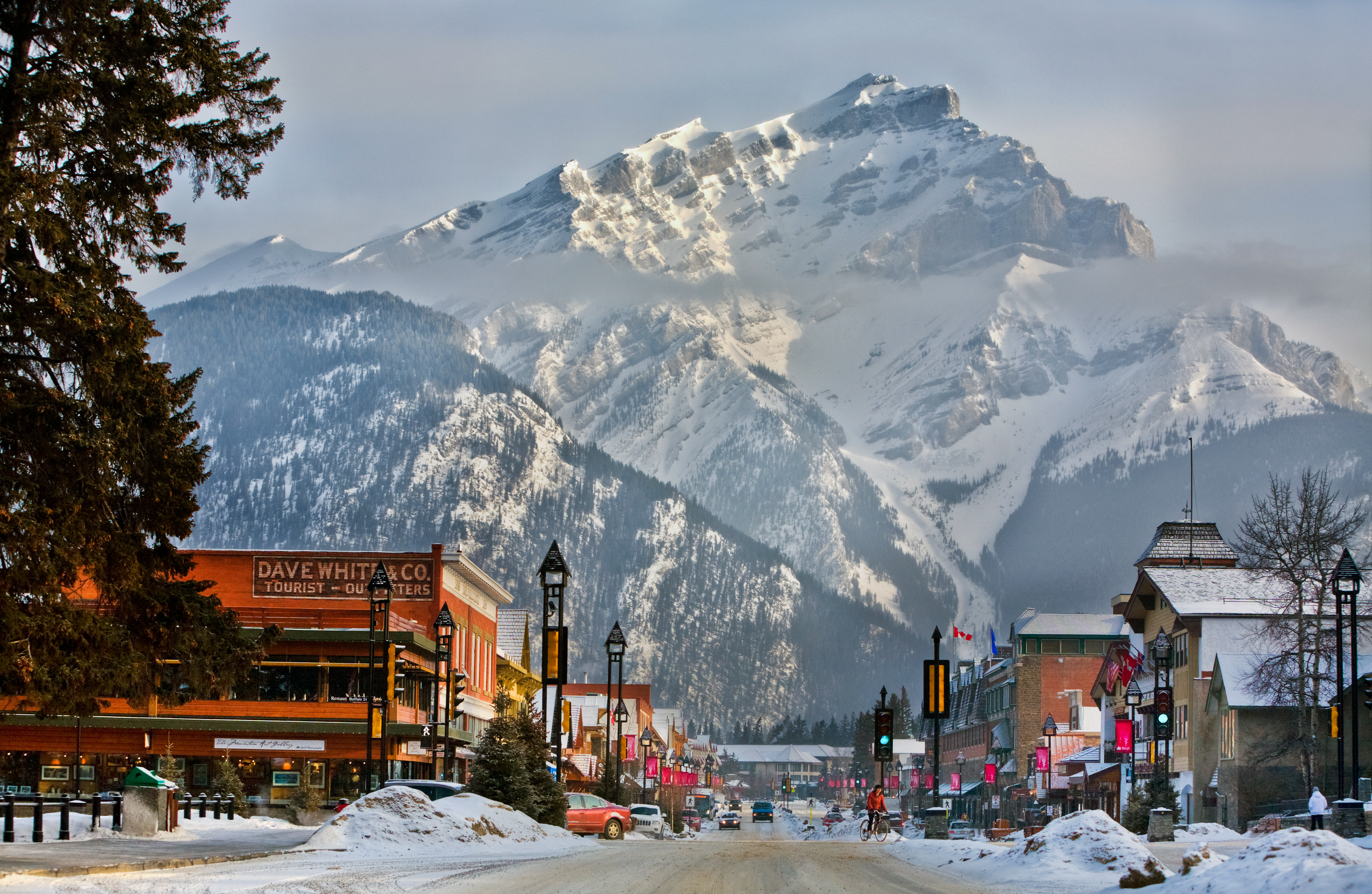 1-Day Winter Banff, Bow Falls Tour from Calgary