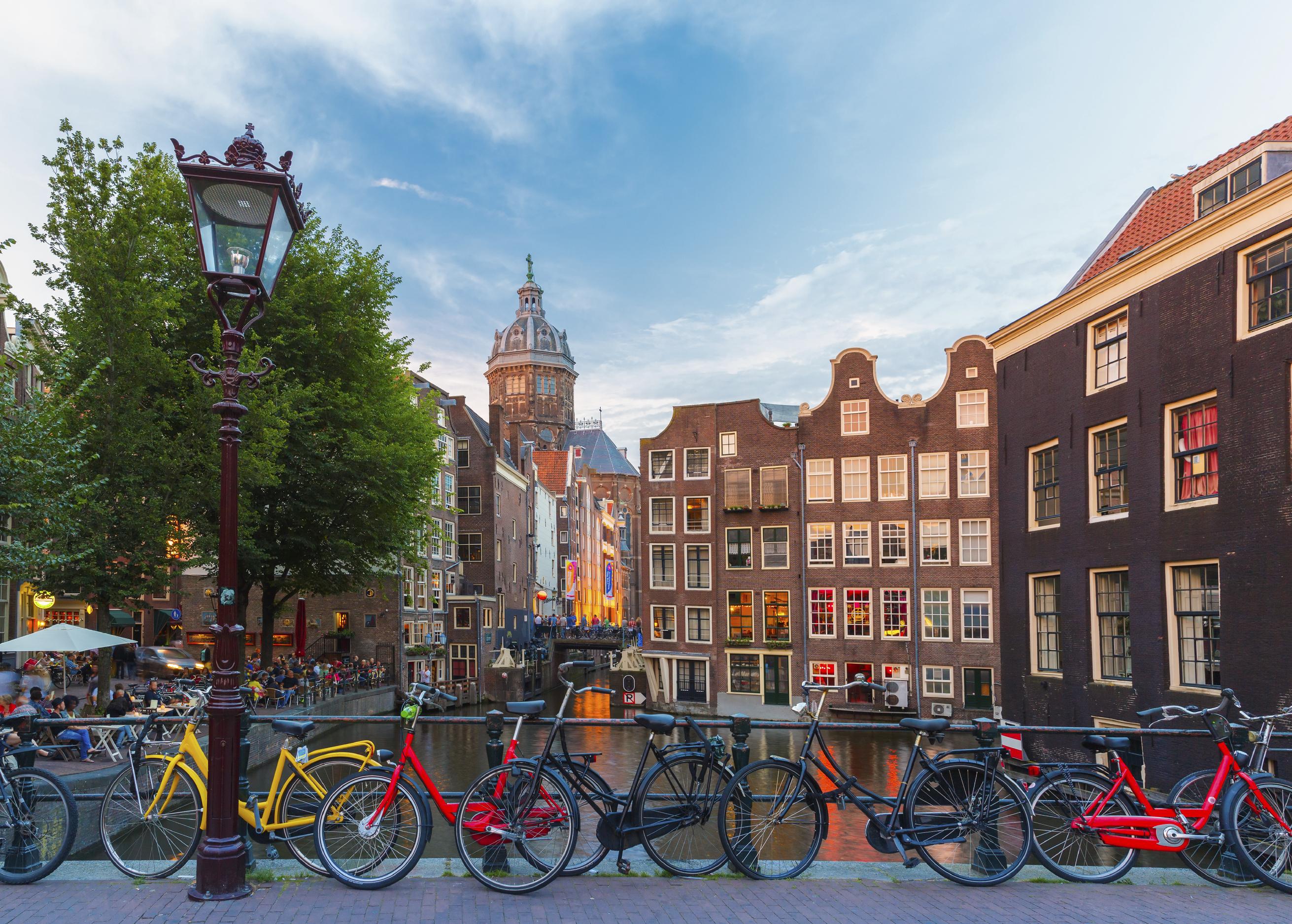 2-14 Day Prague, Budapest, Vienna, Amsterdam, Paris Europe Explorer Flexible Tour from Prague in English